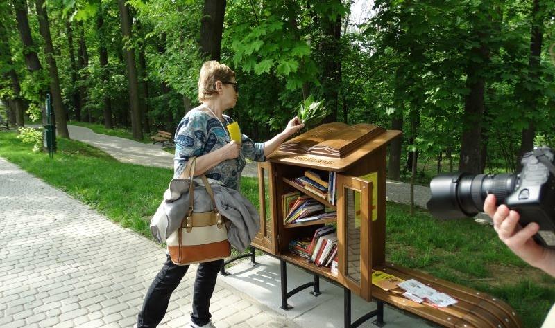 laweczka bookcrossingowa im. Marii Bielawskiej