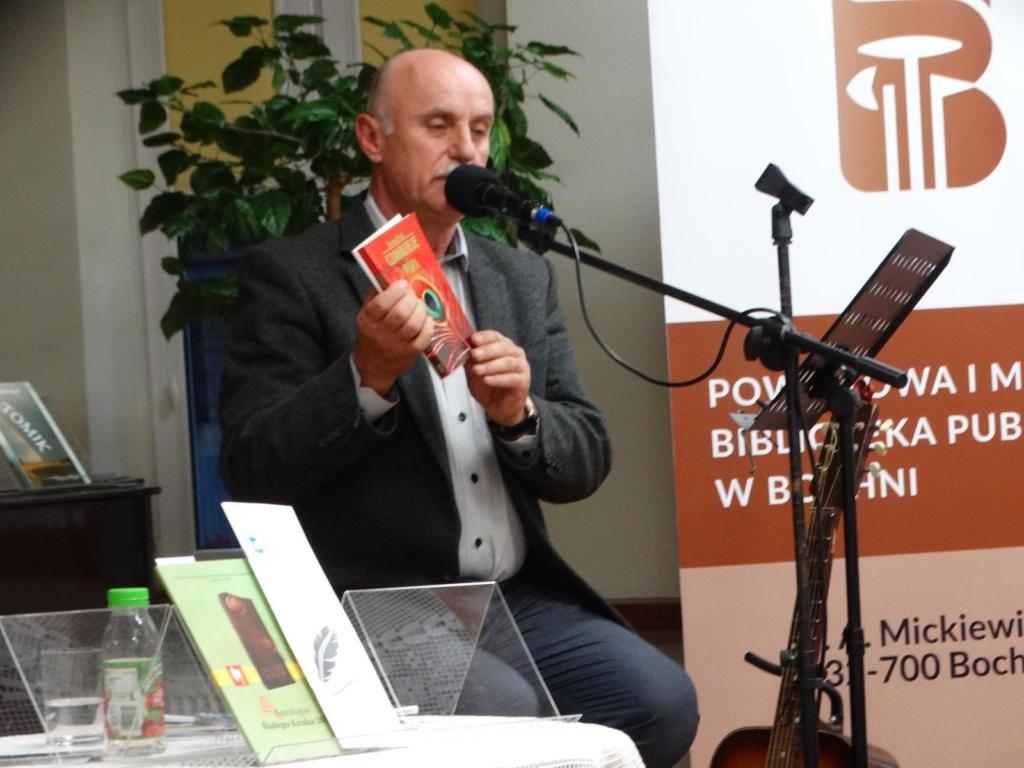 Zbigniew Pikuła prezentuje zbiorek swoich wierszy